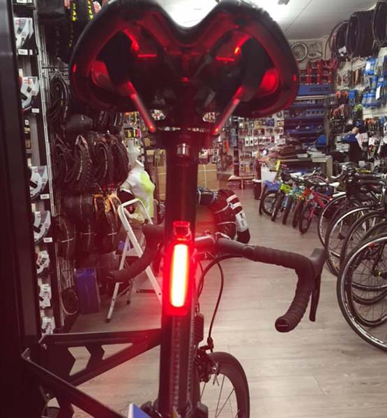Luz trasera potente para bicicleta