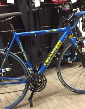 Bicicleta usada Cannondale R-800